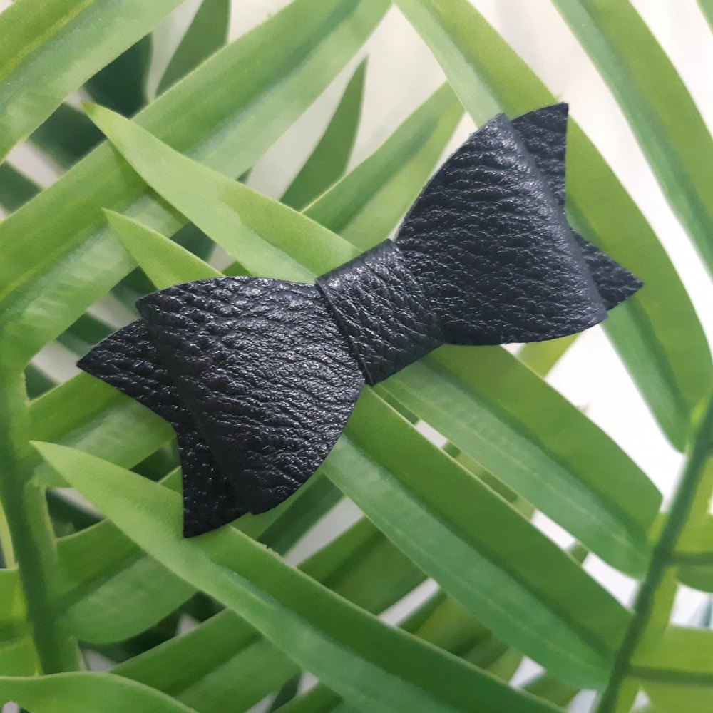 Hair clip with the PU leather bow - Black